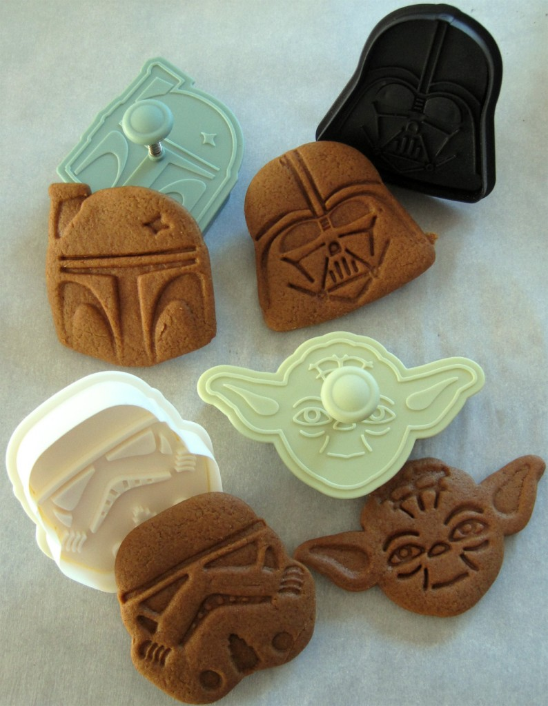 Star Wars gingerbread cutters and cookies
